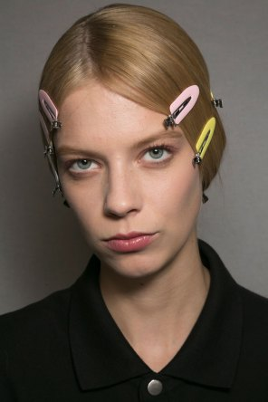 Dior-backstage-beauty-spring-2016-fashion-show-the-impression-019