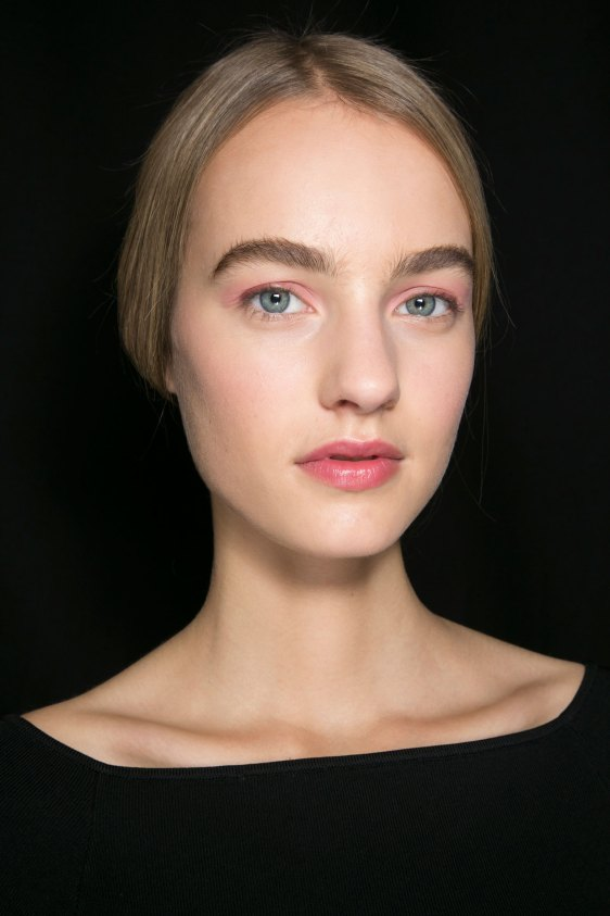 Dior-backstage-beauty-spring-2016-fashion-show-the-impression-026