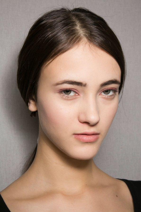 Dior-backstage-beauty-spring-2016-fashion-show-the-impression-034
