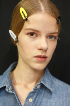 Dior-backstage-beauty-spring-2016-fashion-show-the-impression-086
