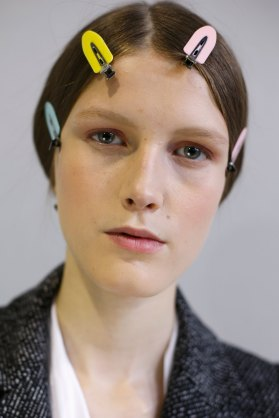 Dior-backstage-beauty-spring-2016-fashion-show-the-impression-093
