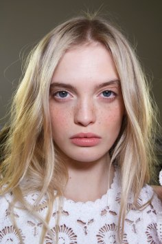 Emanuel-Ungaro-backstage-beauty-spring-2016-fashion-show-the-impression-037