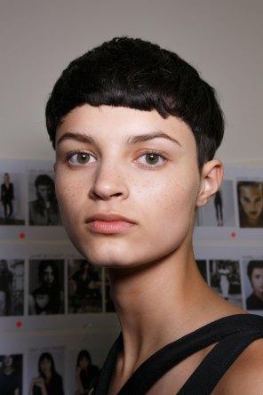Emanuel-Ungaro-backstage-beauty-spring-2016-fashion-show-the-impression-049