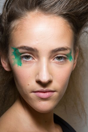Issey-Miyake-spring-2016-beauty-fashion-show-the-impression-09