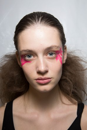 Issey-Miyake-spring-2016-beauty-fashion-show-the-impression-49