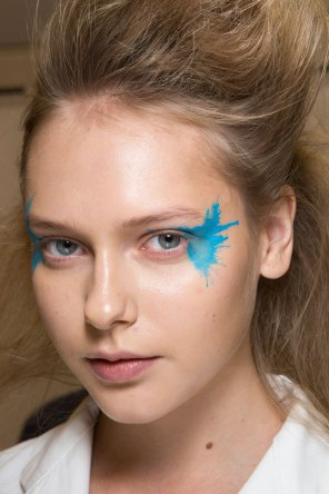 Issey-Miyake-spring-2016-beauty-fashion-show-the-impression-65