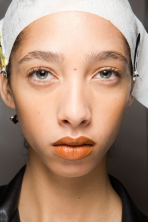 Kenzo-backstage-beauty-spring-2016-fashion-show-the-impression-007