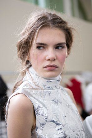 Moncler-Gamme-Rouge-spring-2016-beauty-fashion-show-the-impression-18