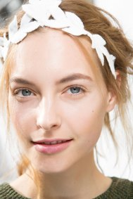 Moncler-Gamme-Rouge-spring-2016-beauty-fashion-show-the-impression-27