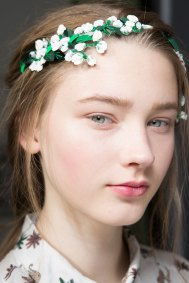Moncler-Gamme-Rouge-spring-2016-beauty-fashion-show-the-impression-38
