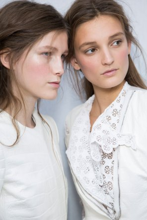 Moncler-Gamme-Rouge-spring-2016-beauty-fashion-show-the-impression-45