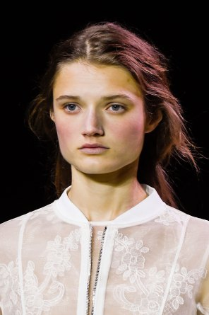 Moncler-Gamme-Rouge-spring-2016-runway-beauty-fashion-show-the-impression-01
