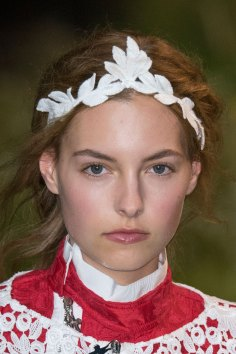 Moncler-Gamme-Rouge-spring-2016-runway-beauty-fashion-show-the-impression-46