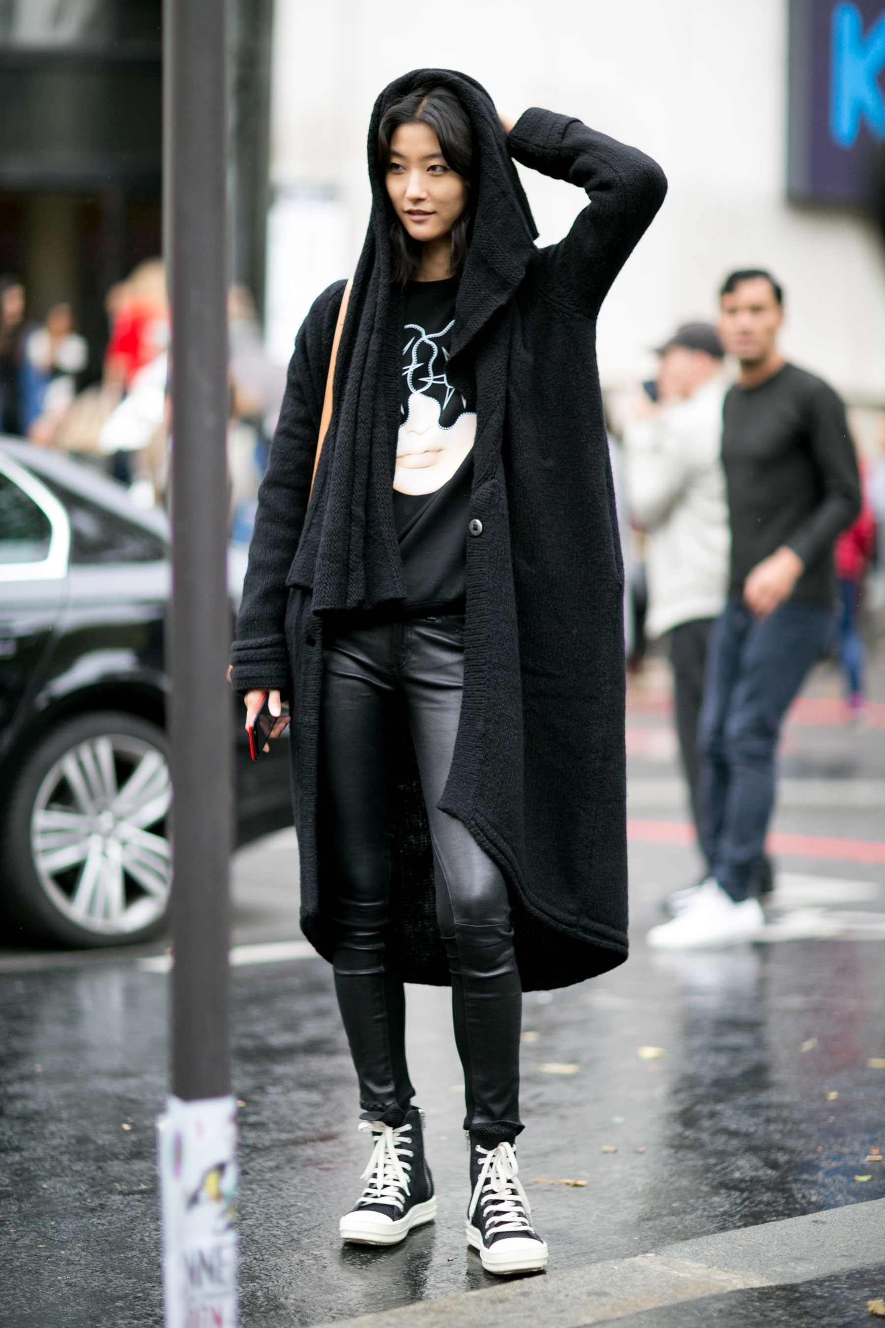 Paris-fashion-week-street-style-day-7-october-15-the-impression-16