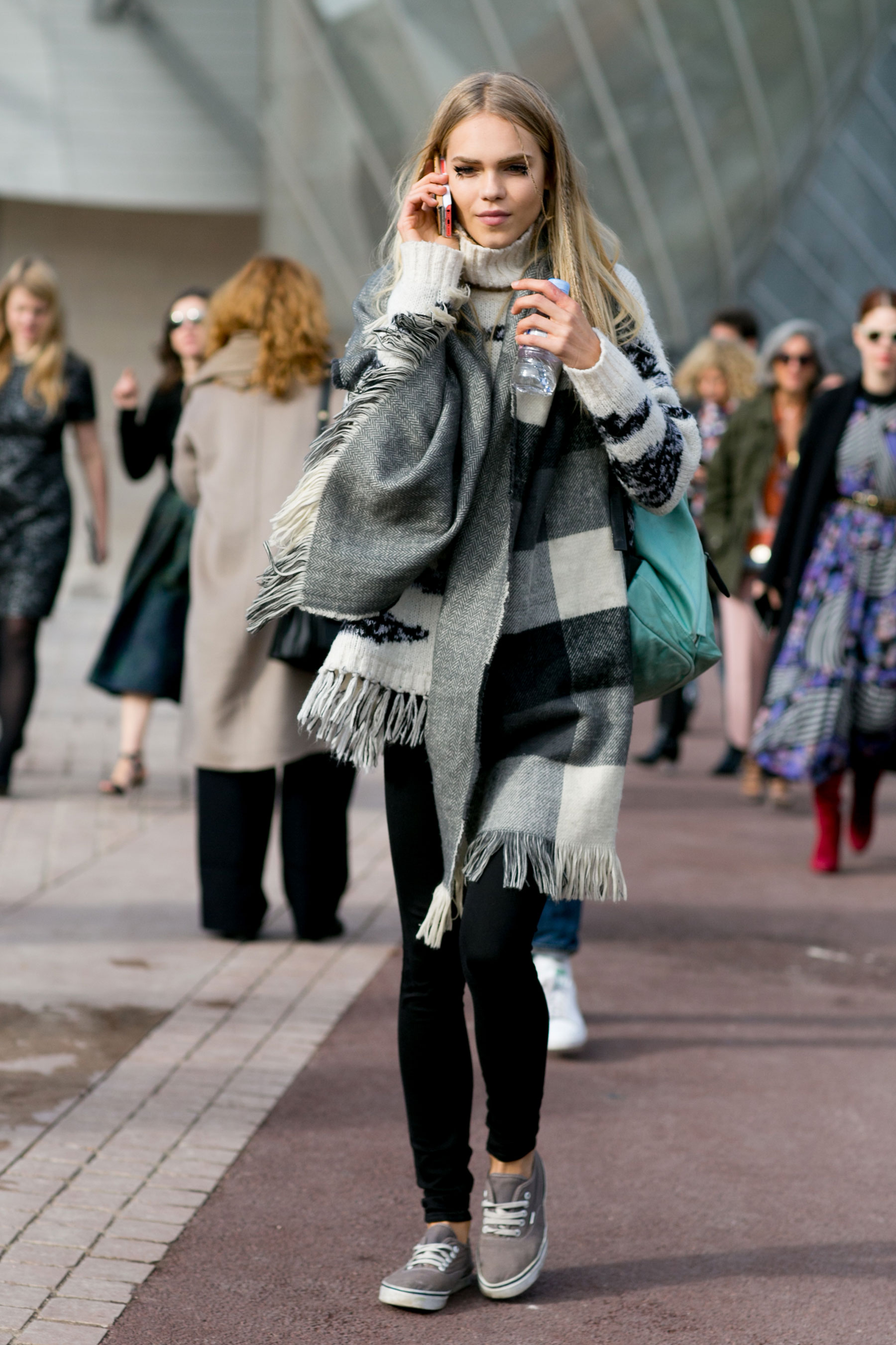 Paris-fashion-week-street-style-day-9-october-2015003