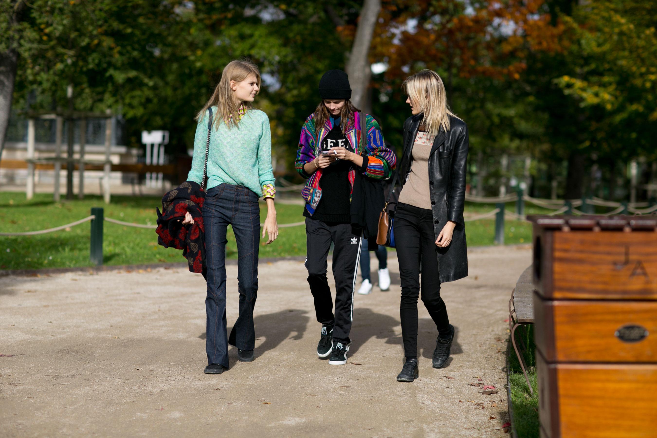 Paris-fashion-week-street-style-day-9-october-2015009