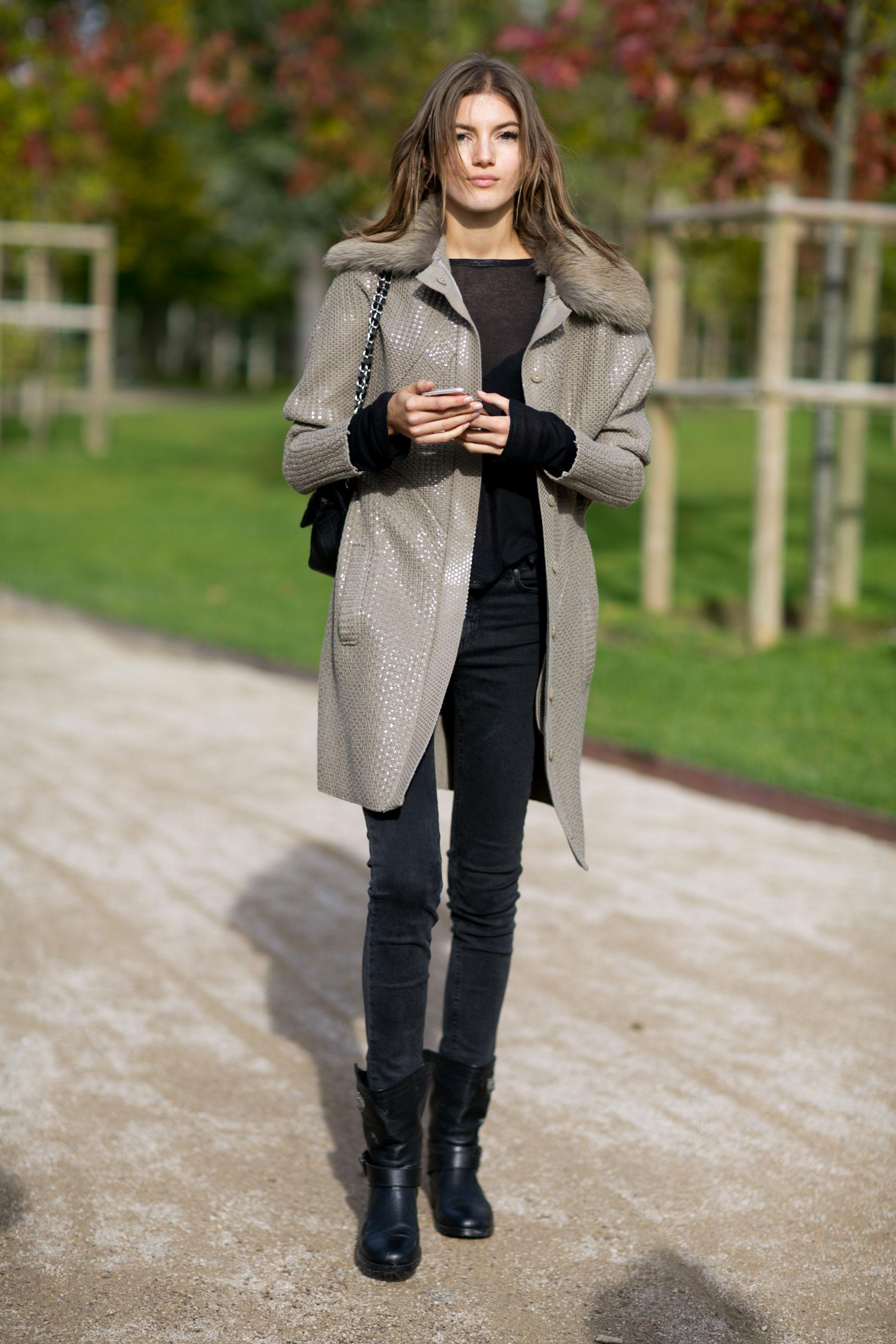 Paris-fashion-week-street-style-day-9-october-2015022
