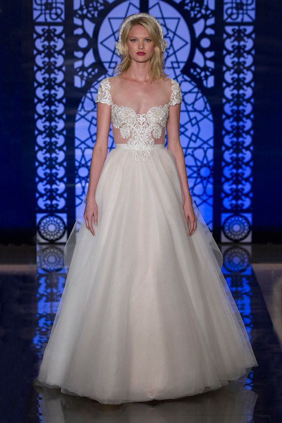 Reem-Acra-fall-2016-bridal-fashion-show-the-impression-16