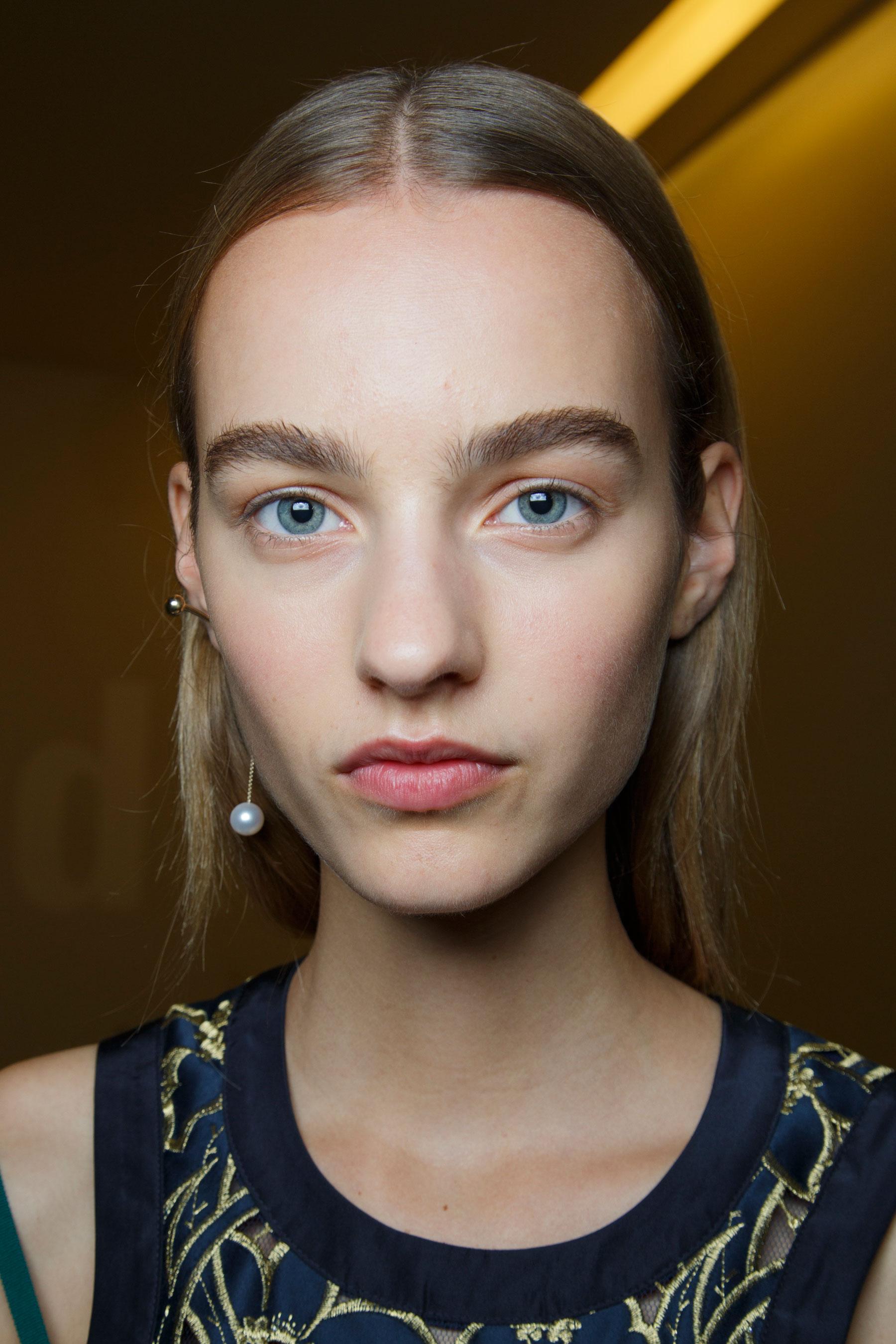 Sacai-spring-2016-beauty-fashion-show-the-impression-26
