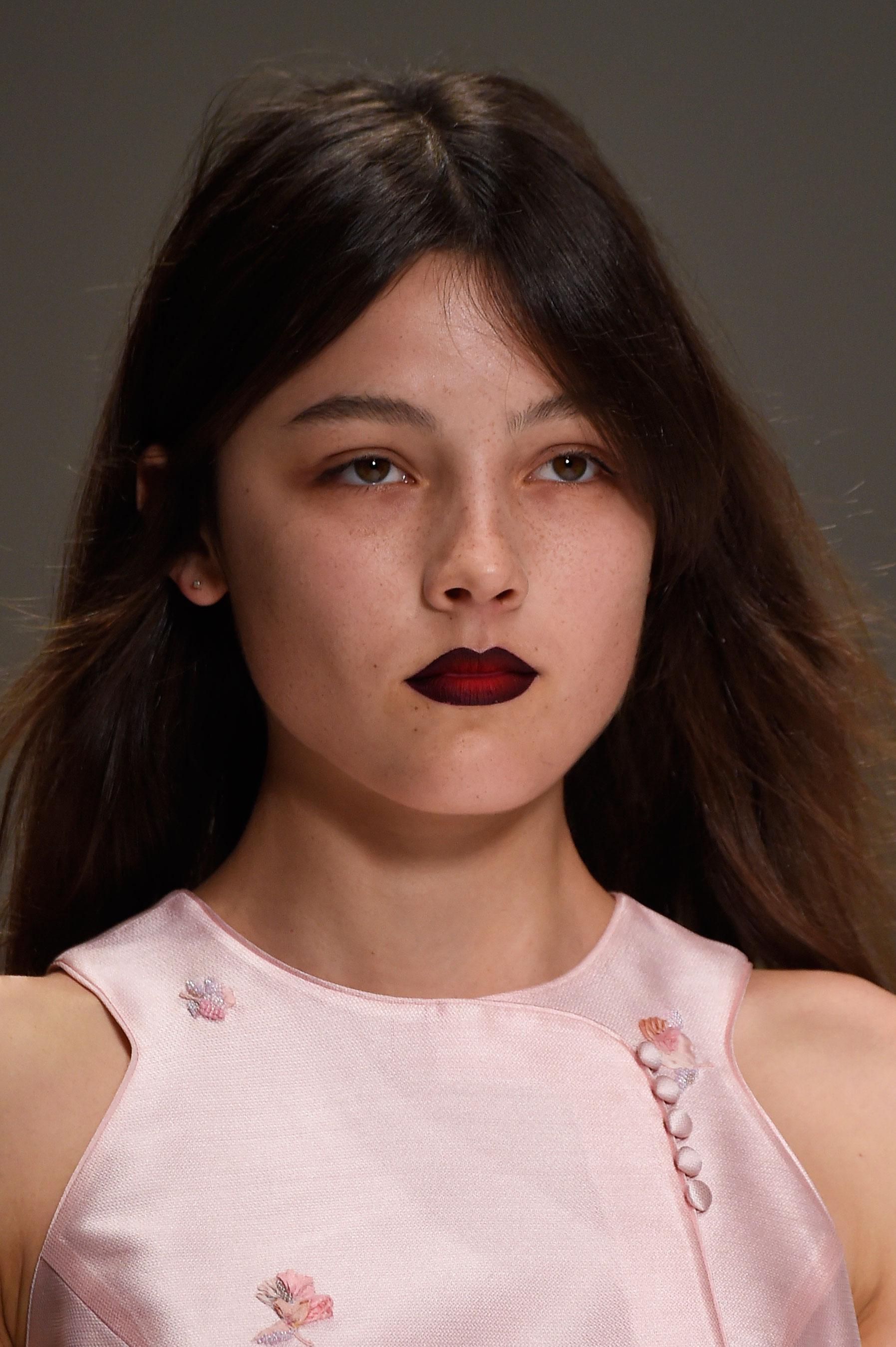 Shiatzy-Chen-spring-2016-runway-beauty-fashion-show-the-impression-29