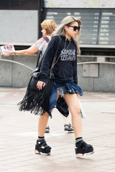 Tokyo-street-style-day-2-spring-2016-the-impression-008
