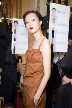 chalayan-spring-2016-backstage-fashion-show-the-impression-33