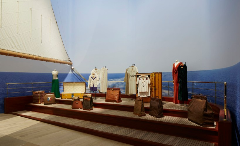 Louis-Vuitton-Volez-Voguez-Voyagez-tokyo-exhibit-the-impression-12