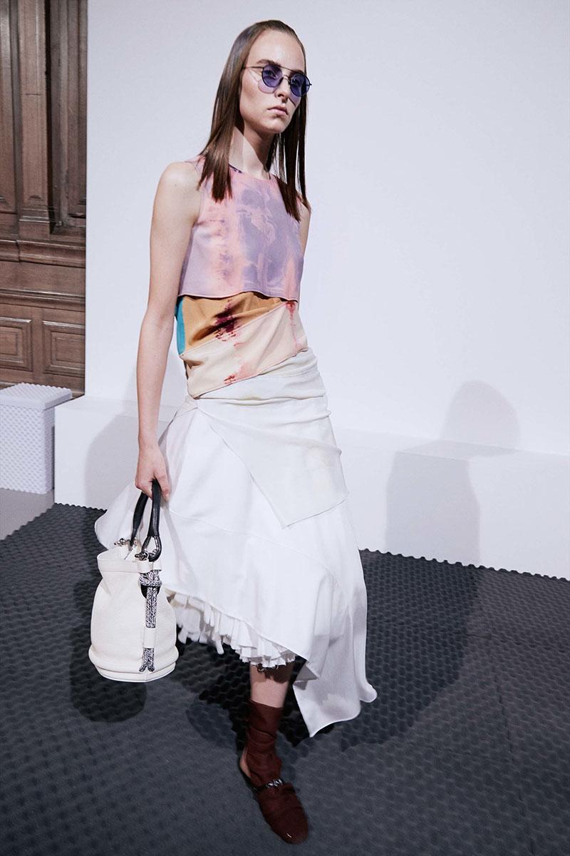 Acne-Studios-resort-2017-fashion-show-the-impression-07