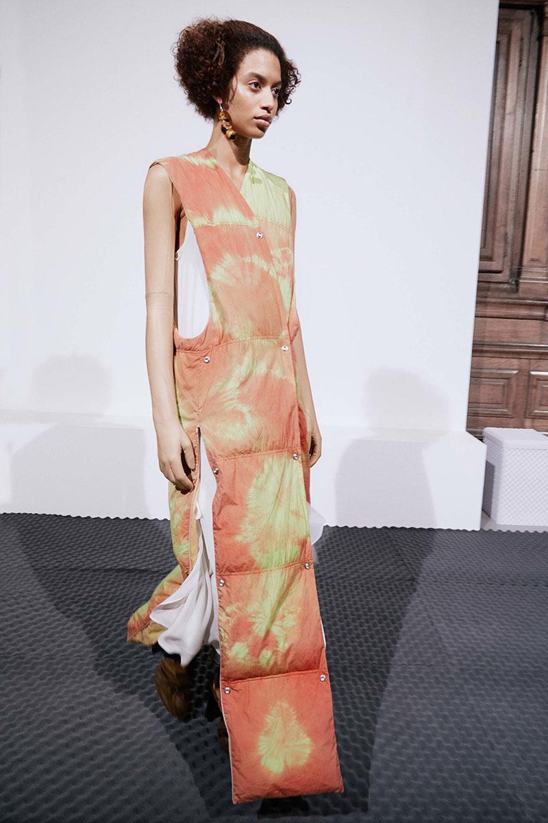 Acne-Studios-resort-2017-fashion-show-the-impression-16