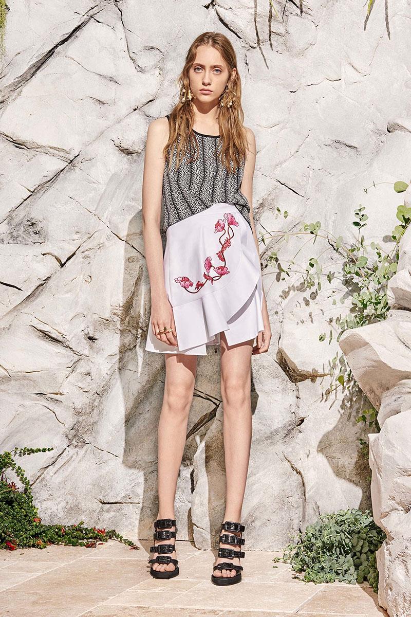 Carven-resort-2017-fashion-show-the-impression-18