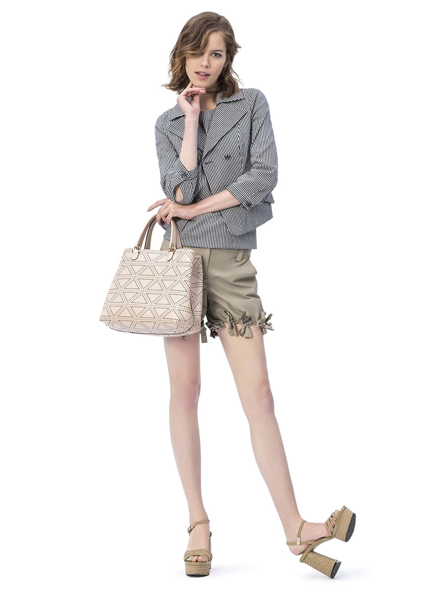 Emporio-Armani-resort-2017-fashion-show-the-impression-15