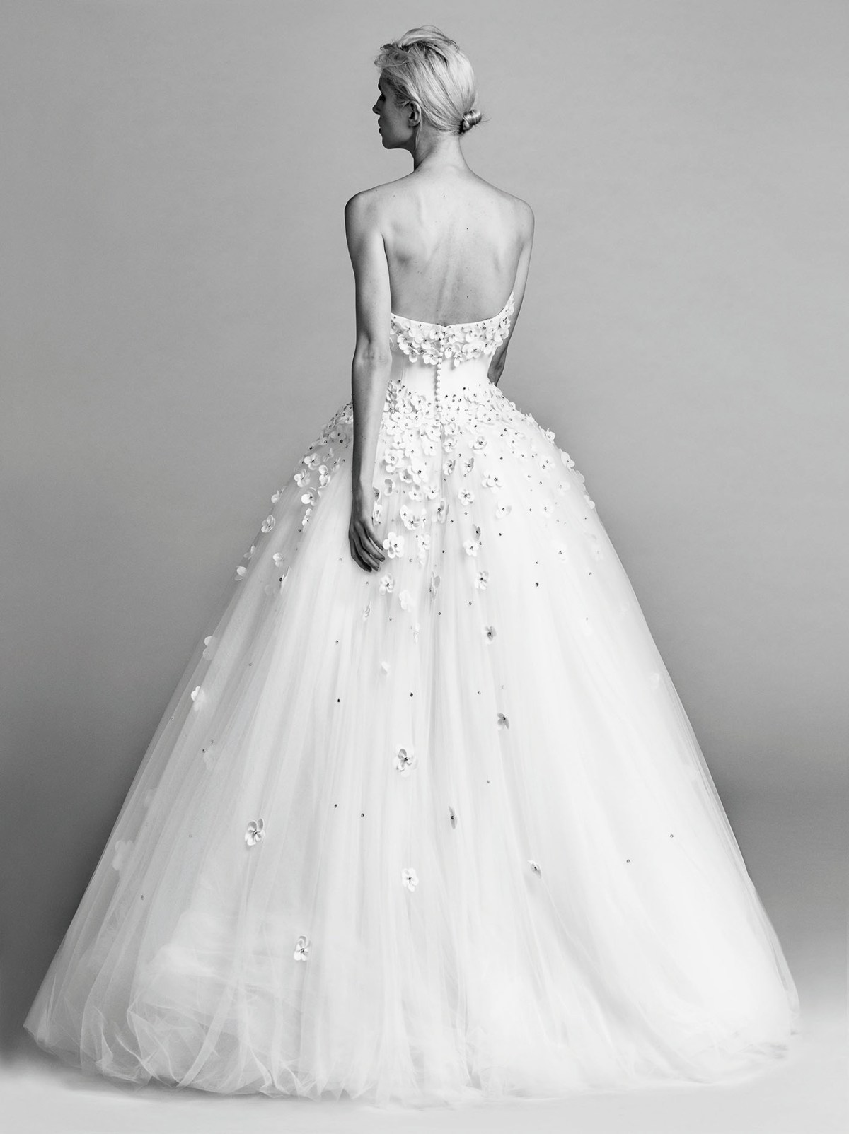 Victor-and-Rolf-fall-2017-bridal-fashion-show-the-impression-27