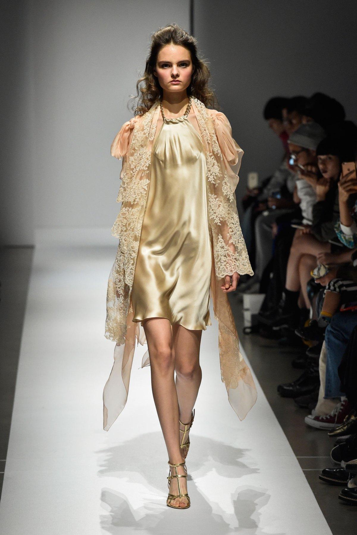 Fashion Hong Kong RS17 0005