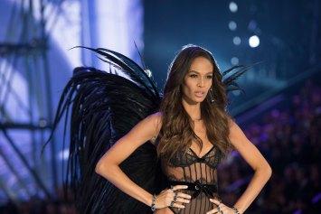 Victorias Secret atm RS17 6947