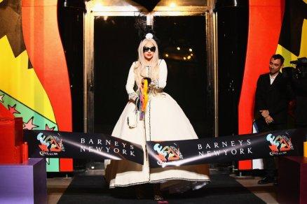 Barneys-New-York-Gaga-Workshop-holiday-2011-the-impression013