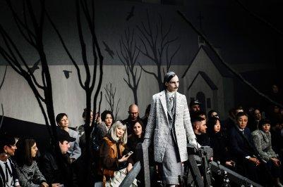 Thom-Browne-fall-2017-fashion-show-atmospher-the-impression-04