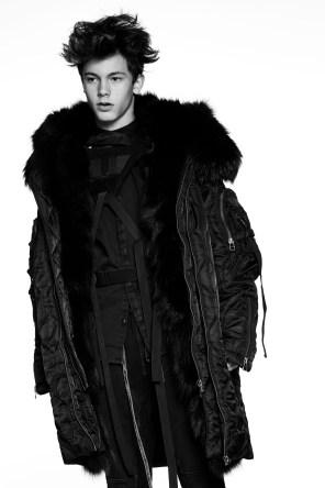 XB-OFCL-by-Brandon-Sun-fall-2017-fashion-show-the-impression-38