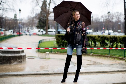 Paris str RF17 6944