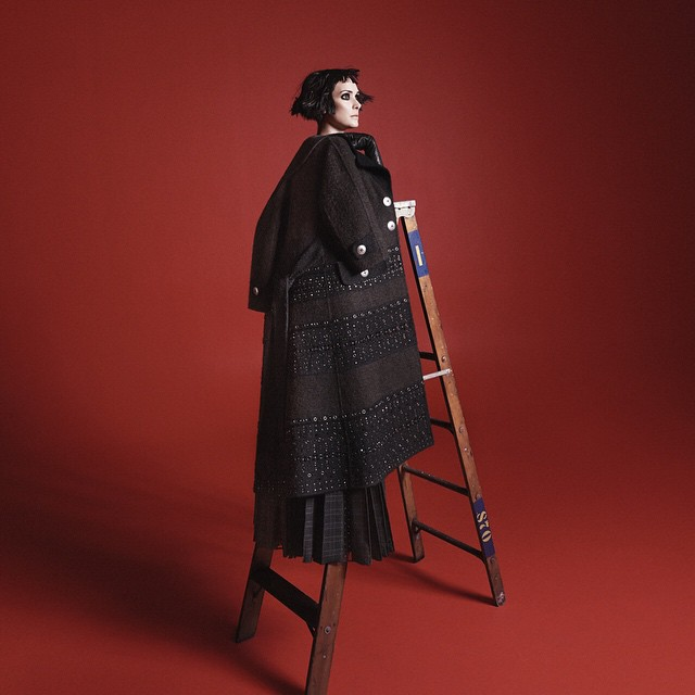 winona-ryder-for-marc-jacobs-fall-2015-campaign-the-impression-02