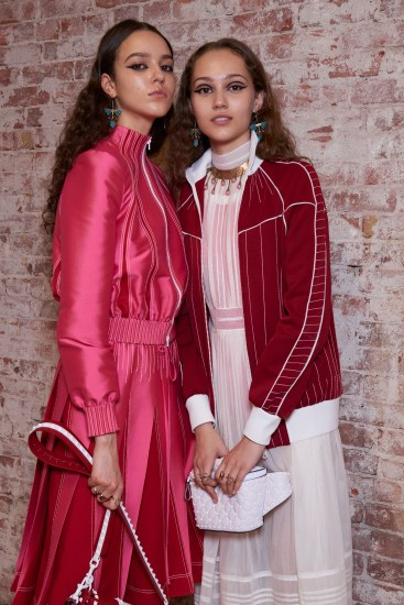 Valentino-resort-2018-backstage-fashion-show-the-impression-080