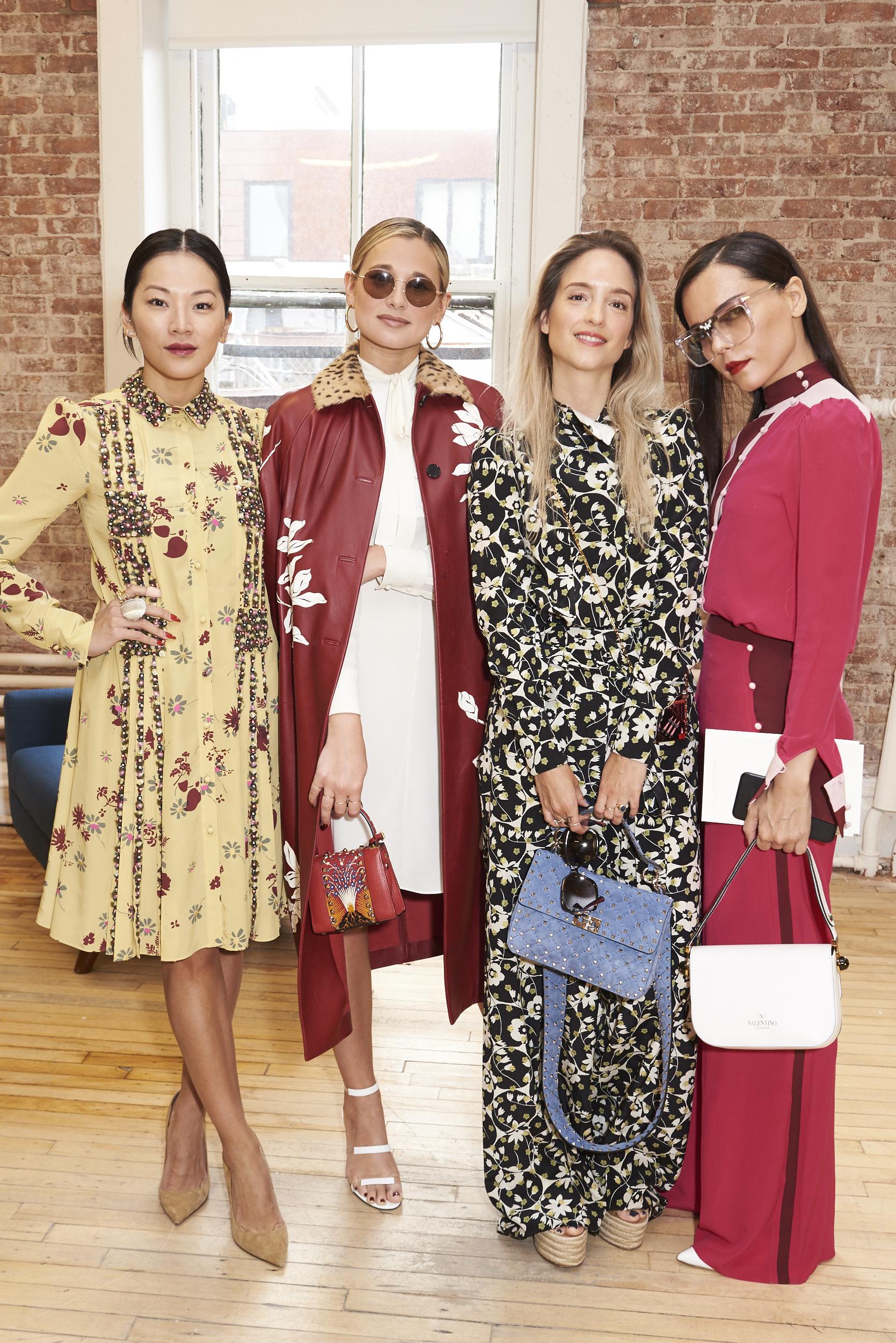 Valentino-resort-2018-front-row-fashion-show-the-impression-026