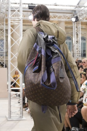 Vuitton m clp RS18 2303