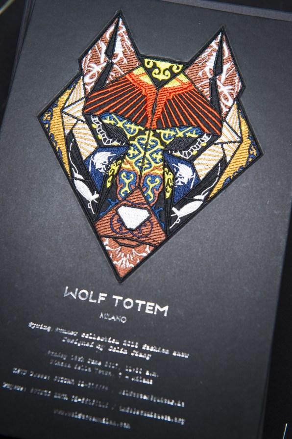 Wolf Totem m bks Z RS18 0845