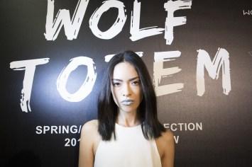 Wolf Totem m bks Z RS18 8033
