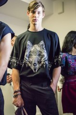 Wolf Totem m bks Z RS18 8296