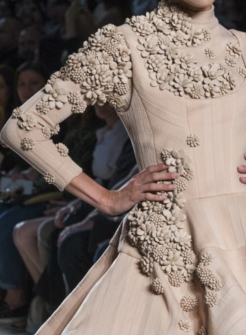 Julien Fournie Fall 2017 Couture Fashion Show Details