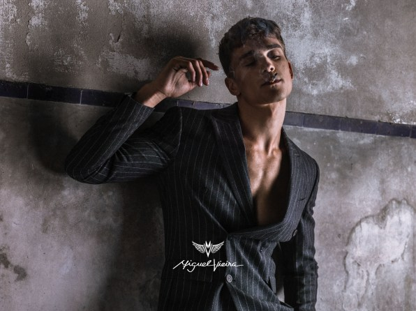 Miguel-Vieira-fall-2017-ad-campaign-the-impression-05
