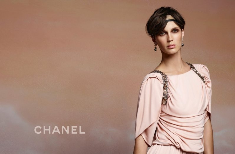Chanel-resort-2018-ad-campaign-the-impression-07