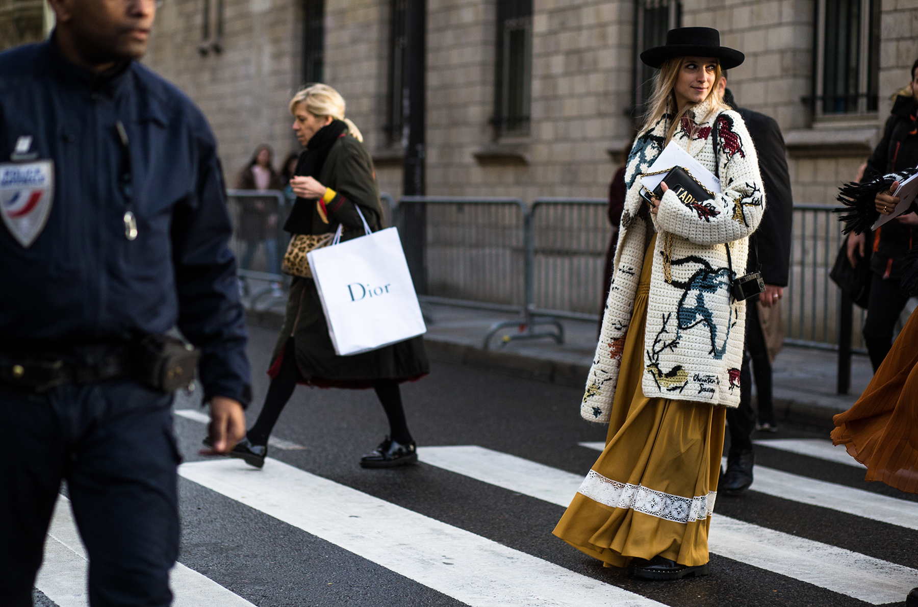 Paris-Couture-street-style-robert-purwin-the-impression-39