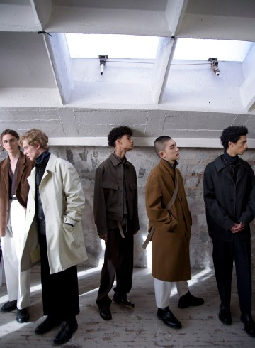 Lemaire Fall 2018 Men's Fashion Show Backstage